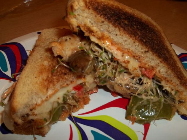 VEGETABLE RUBEN SANDWICH