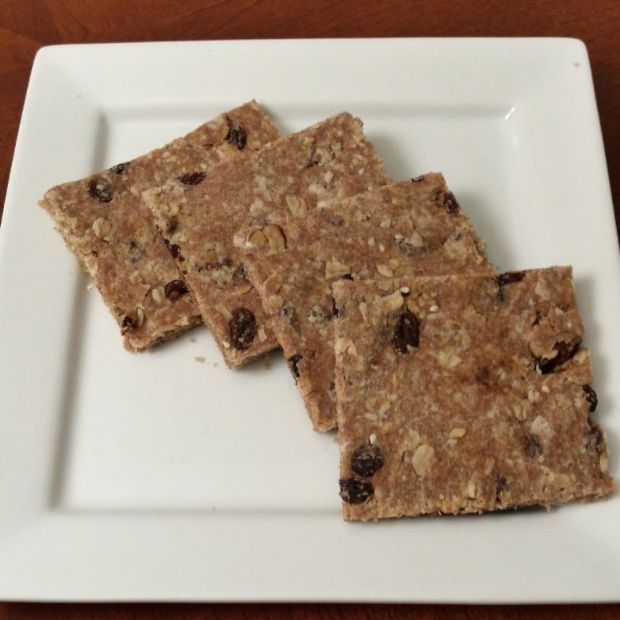 Wheat-Oat-Raisin Breakfast Bar