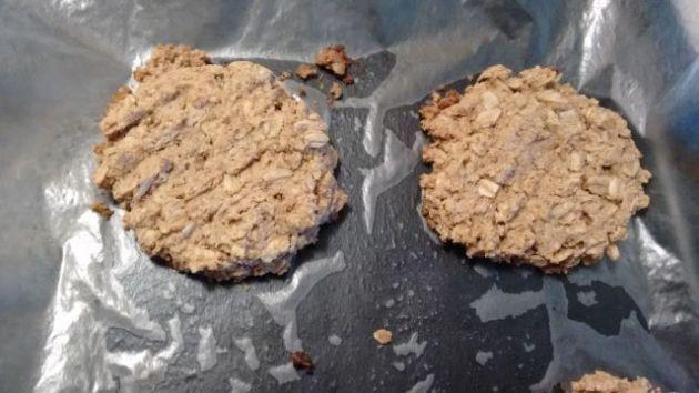 Whole wheat oatmeal peanut butter cookies