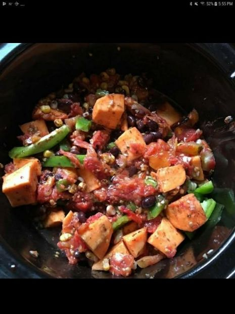 Smoky Black Bean & Sweet Potatoe Chili