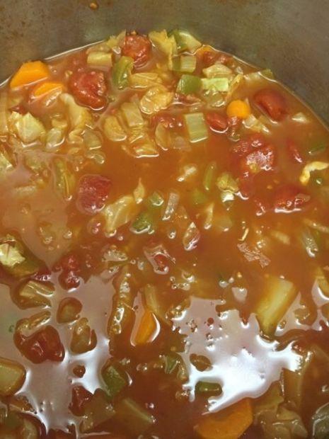 Low calorie cabbage vegetable soup