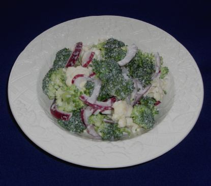 Quick Fresh & Crispy Broccoli/Cauliflower Salad