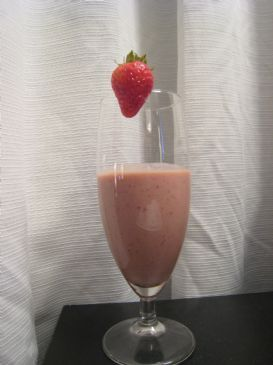 Strawberry banana chocolate smoothie