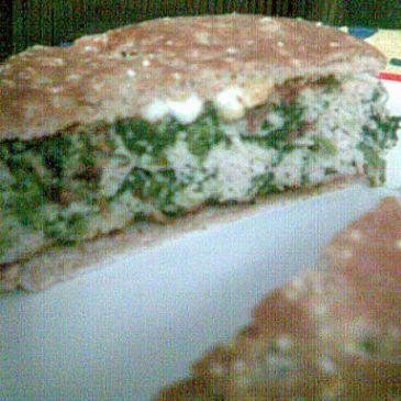 Spinach salad turkey burgers