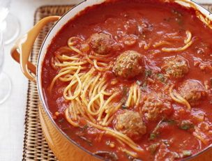 Spaghetti and meatball stoup