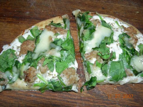 Sausage/Spinach pizza