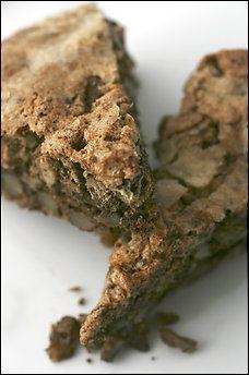 Lucia's Walnut Cake