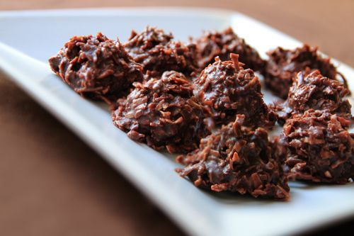 Coconut Chocolate No-Bake Macaroons