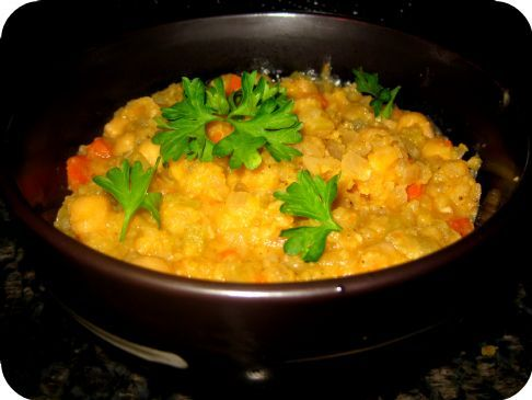Tunisian Garlic & Chickpea Soup