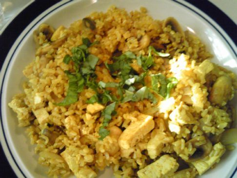 Curried Brown Rice with Mushrooms and Tofu
