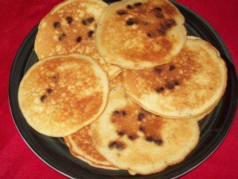 Martha White Chocolate Chip Muffin Mix Pancakes (using 7.4oz-209g pkg)