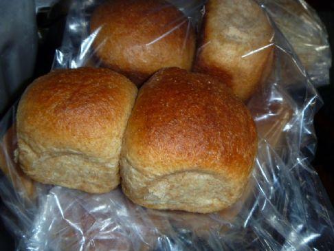 Maura's 100% whole wheat dinner rolls