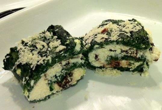 Spinach, Ricotta and Sundried Tomato Roll