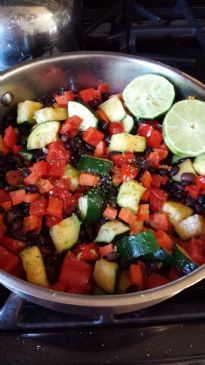Black beans with zucchini and peppers