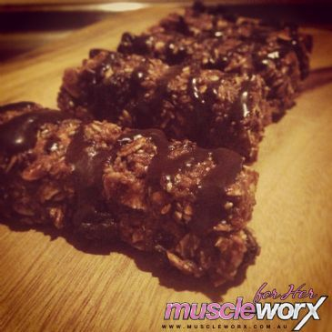 Muscle Worx For Her Chef Danica - Turbo Choc Oat Bars