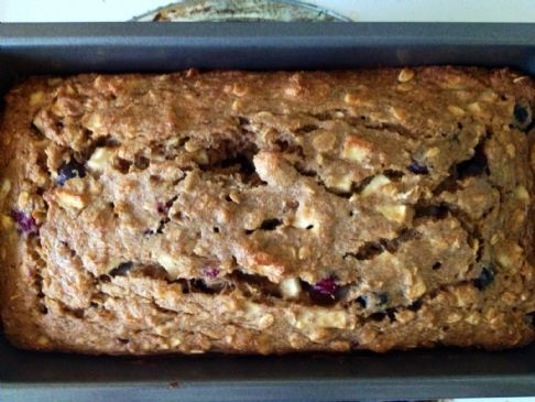 Whole wheat oatmeal apple berry bread
