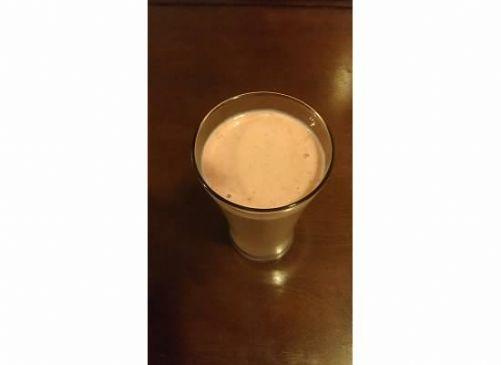 chocolate, peanut butter, banana cream breakfast smoothie