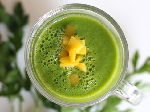 Mango,Parsley, Banana Smoothie