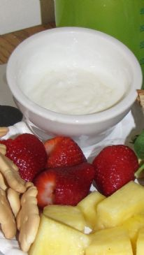 Honey Lime Greek Yogurt Fruit Dip