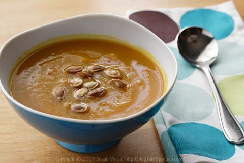 Roasted Pumpkin and Garlic Soup