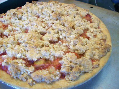 Cheapskate Rhubarb Crumble Pie