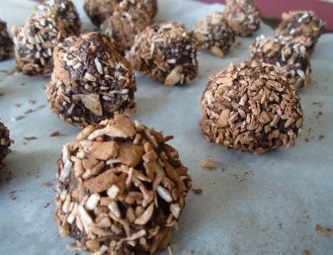 Date Cocoa Balls