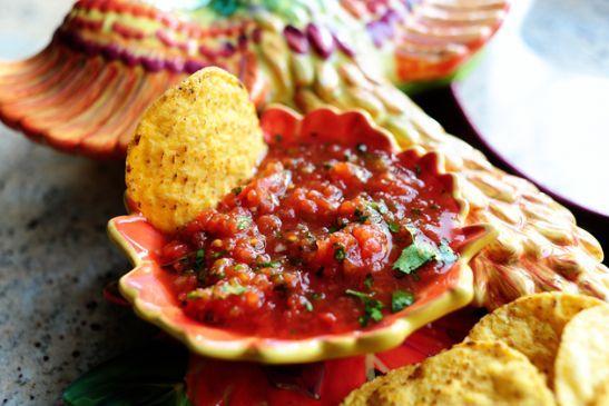Pioneer Woman Restaurant Style Salsa