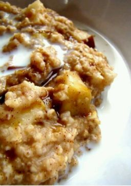 Crockpot Apple Cinnamon Oatmeal