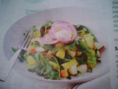 Red's Salad with apple and pineapple