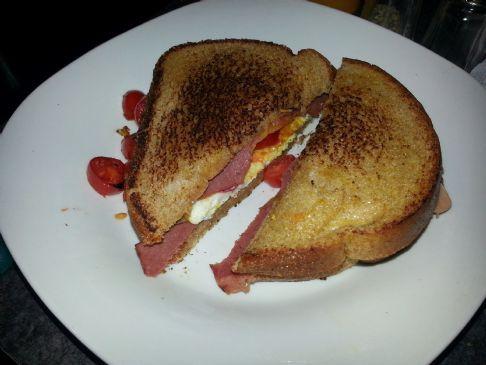 Rise & Shine Breakfast Sandwich w/ Turkey Bacon #FITFOOD