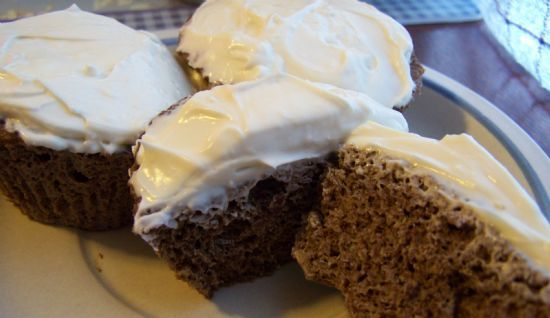 Low Carb Flax Chocolate Cupcake with Cream Cheese Frosting