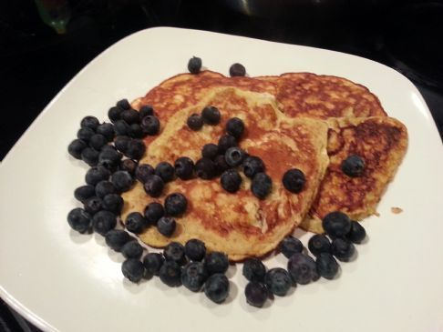 Berry Yummy Banana Pancakes #FITFOOD