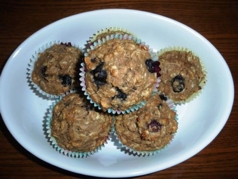 Oatmeal Blubeberry Applesauce Muffins