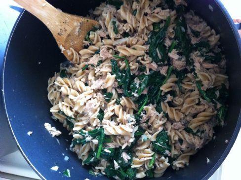 Whole Wheat Rotini with Italian Tuna and Spinach