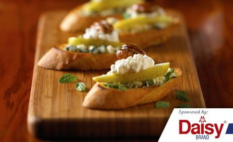 Cottage Cheese and Pear Crostini Daisy Brand®