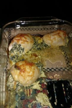 Cream Cheese/Spinach Stuffed Chicken Rolls (2.6g Carb/serving!)