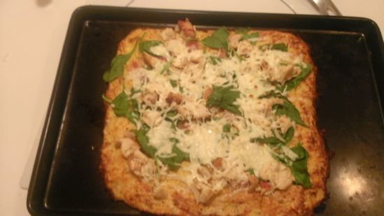 Chicken Bacon SPinach Pizza with Cauliflower crust