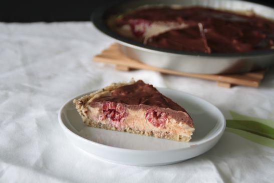 Vegan PB-Chocolate-Pie with Raspberries