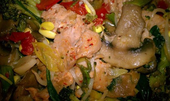 Chicken Vegetable Stir-Fry with Sriracha