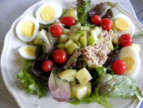Salade Niçoise (low fat)
