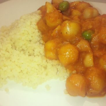 Chickpea Curry with Peas