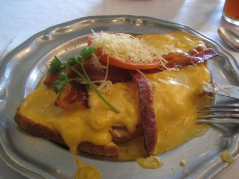 Kentucky Hot Brown