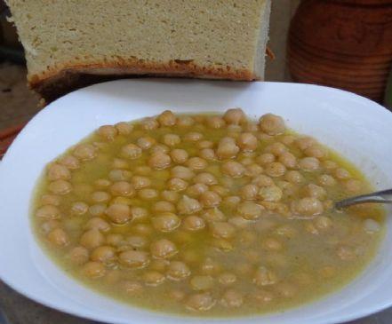 Simple Cretan chickpea soup