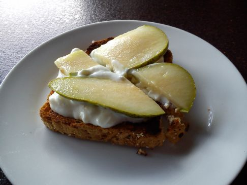 pear/cottage cheese on toast