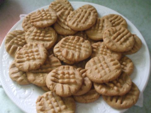 Auntie Carolyn's Peanut Butter cookies