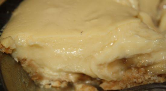 low fat, sugar free old fashioned banana cream pie