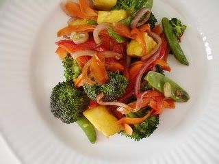 Raw Veggie Stir Fry with Pineapple