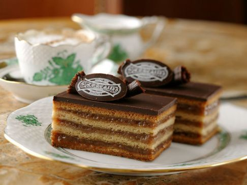 Gerbaud cake (Zserbó süti, Hungary) (1serving=5x2cm=35g)