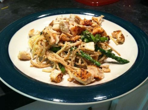 Lemon Garlic Spaghetti with Chicken and Asparagus