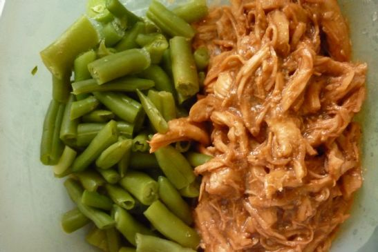 Budweiser bbq pulled chicken recipe sparkrecipes for Mince and tatties calories